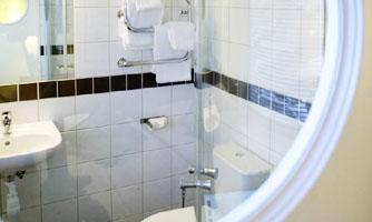 Connect Hotel Arlanda bathroom